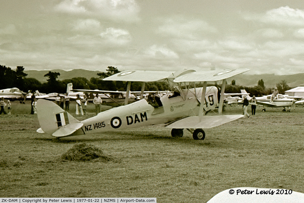 ZK-DAM, 1944 De Havilland New Zealand DH-82A Tiger Moth, C/N: DHNZ165